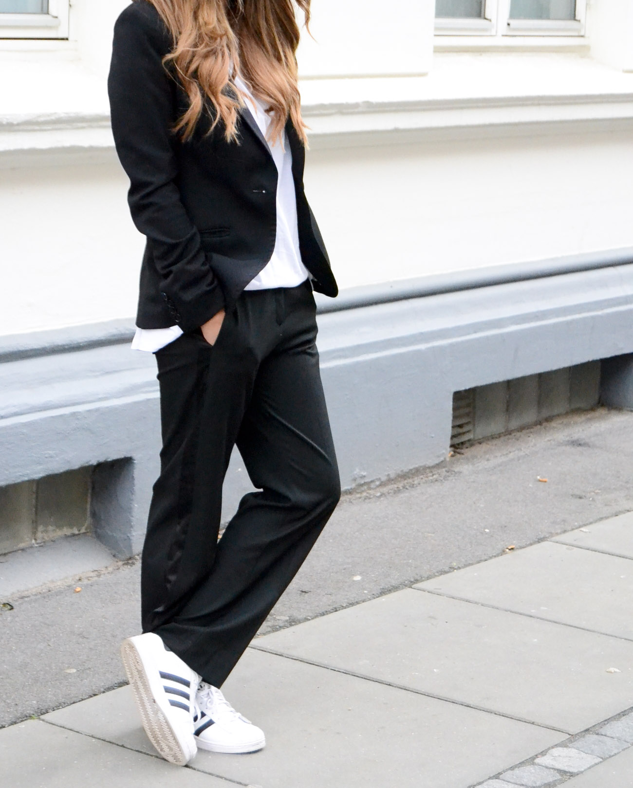 3 Ways to Wear Your Adidas Sneakers outside the Gym