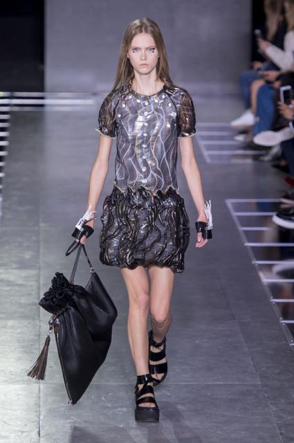 Paris Fashion Week Coverage: Louis Vuitton Spring 2016 Collection